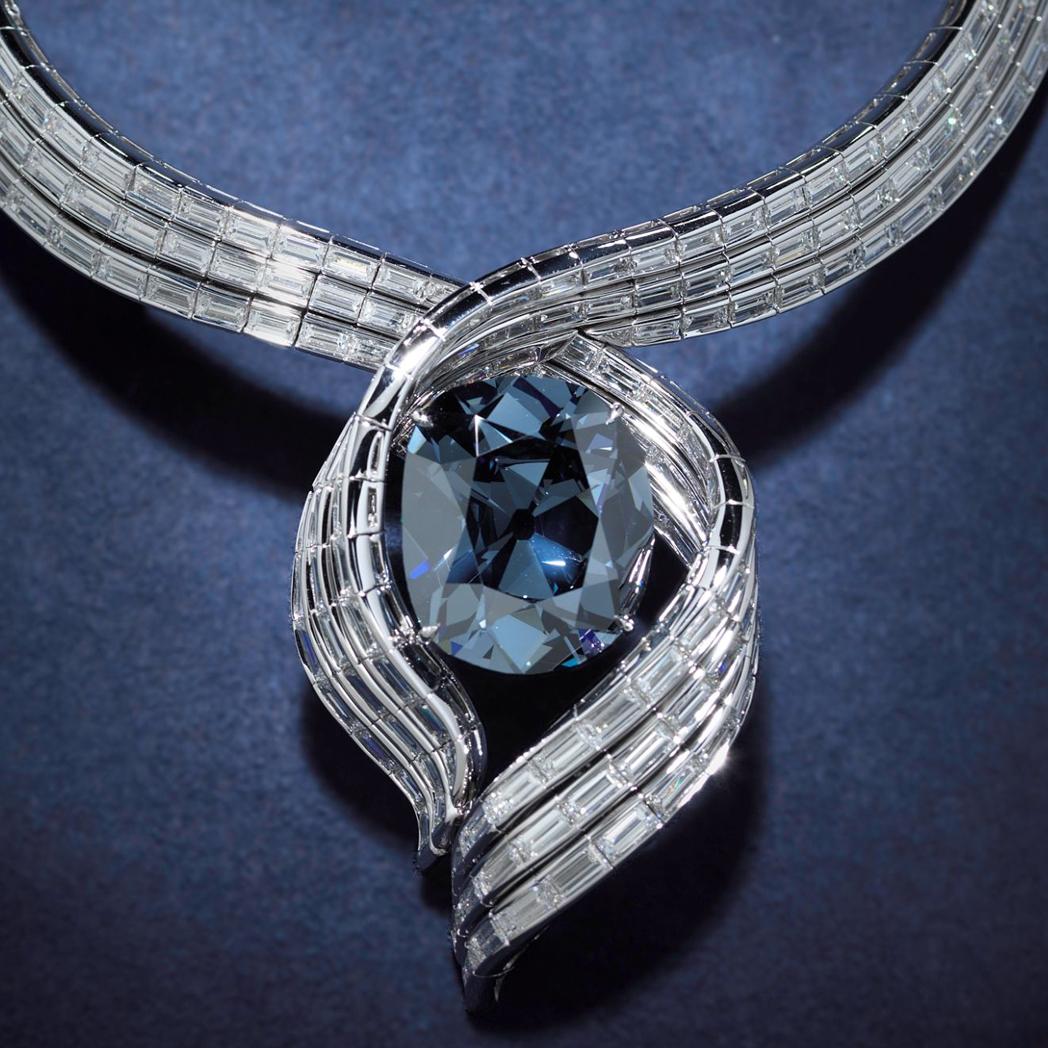 BLUE HOPE DIAMOND 3